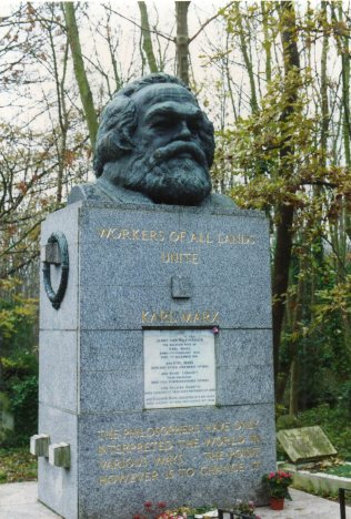highgate_cemetery_london_-_karl_marx_grave